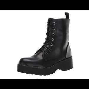 Dirty Laundry Women's Mazzy Combat boots